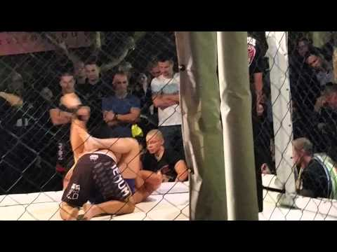 MMA roncs Axel