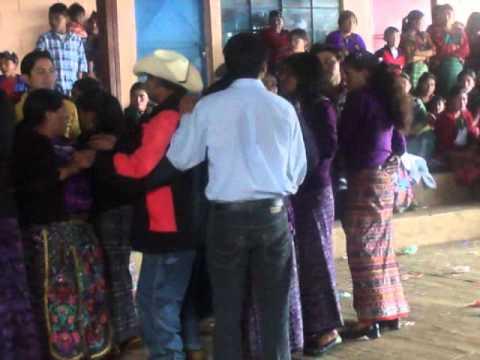 FIESTA E CRUZ CHEX AGUACATAM  HUEHUETEAGO