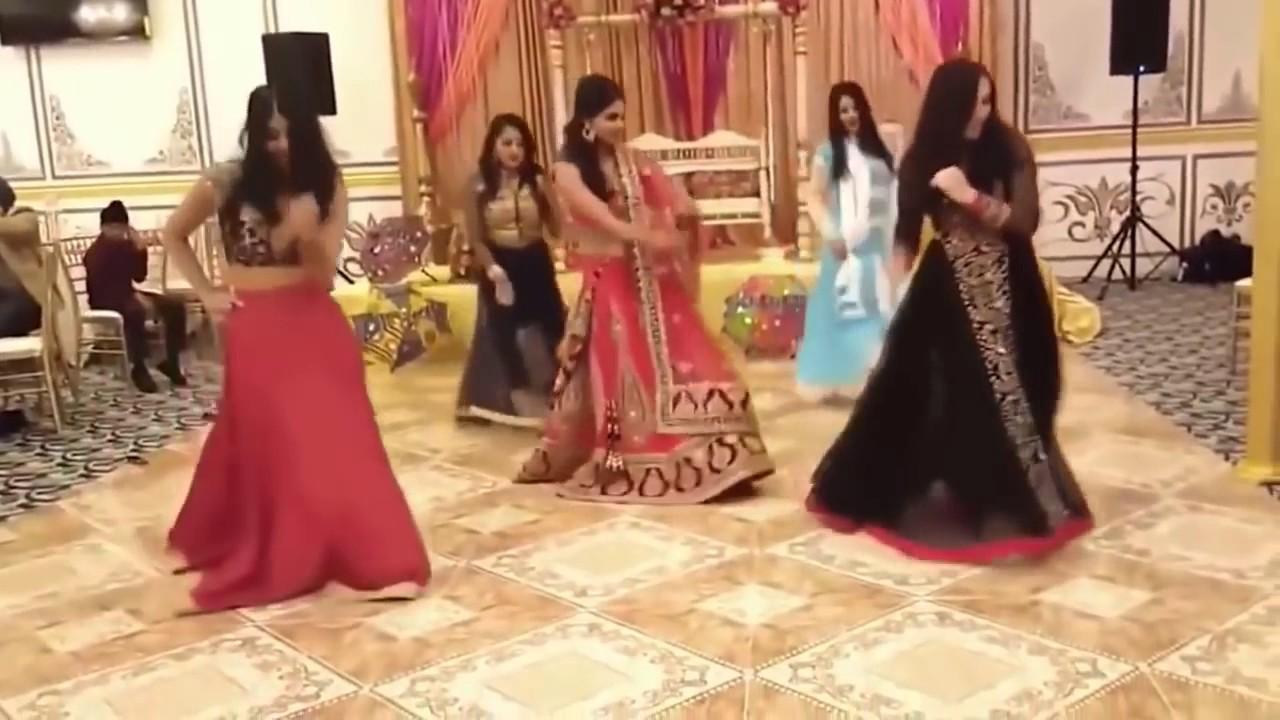 Kala Chashma New Indian Wedding Dance 2017 Best Groom Bride Family Sangeet Ceremoney