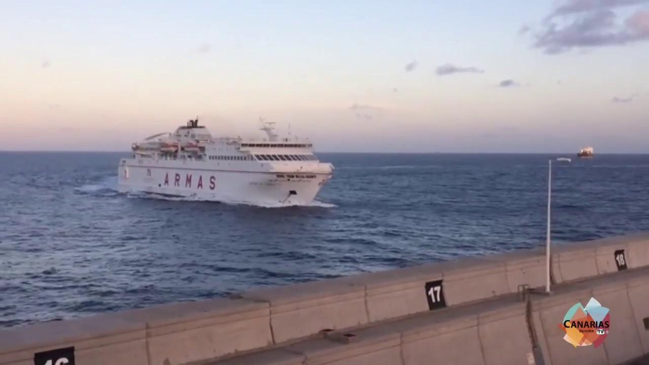 Accidente naviera armas las palmas de gran canaria youtube for Horario oficina naviera armas las palmas