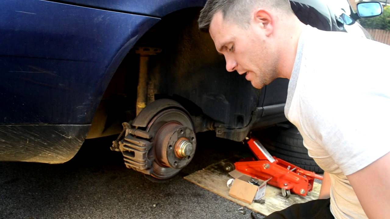 How to replace rear brake pads - Audi, volkswagen, Skoda, Seat and many more - YouTube