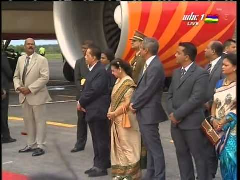 ARRIVAL OF H.E. SHRI NARENDRA MODI AT SSR INTERNATIONAL AIRPORT