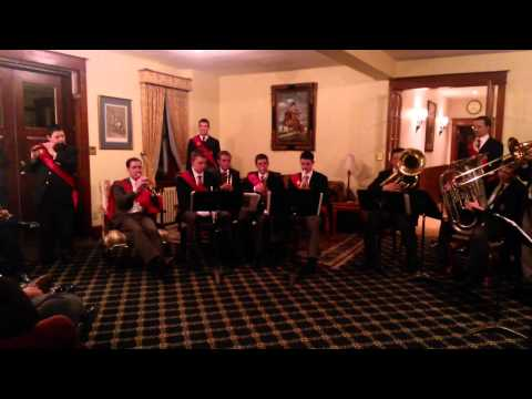 Students of the St. Louis de Montfort Academy Play King's Ballad