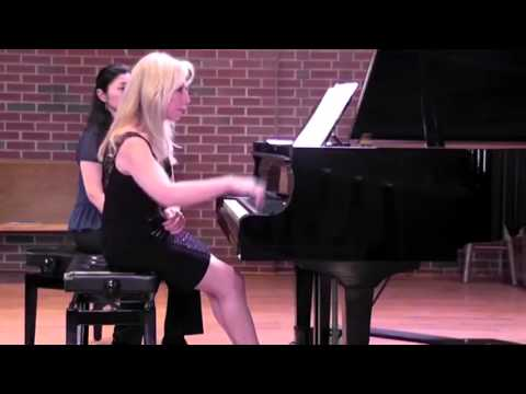 Carol Comune Live Piano Performances