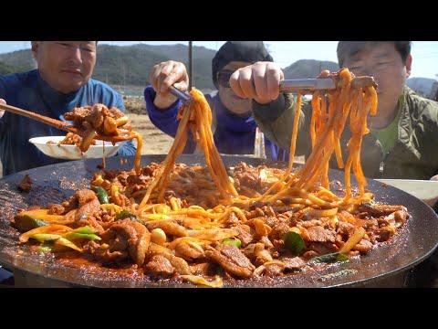 우동사리 넣은 솥뚜껑 오리불고기! (Duck Bulgogi with Udon noodles) 요리&먹방!! – Mukbang eating show