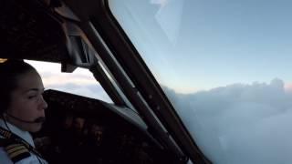 Cap. Priscila V. Boeing 777, aproximacion y aterrizaje Ciudad de Mexico, MMMX.