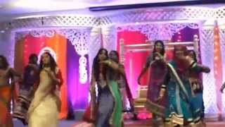 Saree ke fall sa wedding dance