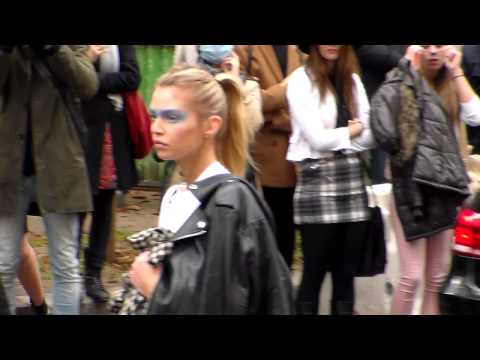 Top Model Stella MAXWELL @ Paris Fashion Week 6 october 2015 show Chanel