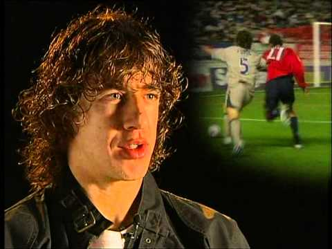 FC BARCELONA - CARLES PUYOL SOCCER LESSONS (1/4)