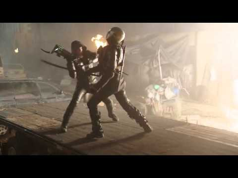 2046 Old Oliver Queen Green Arrow Fight Scene in DC's Legends of Tomorrow