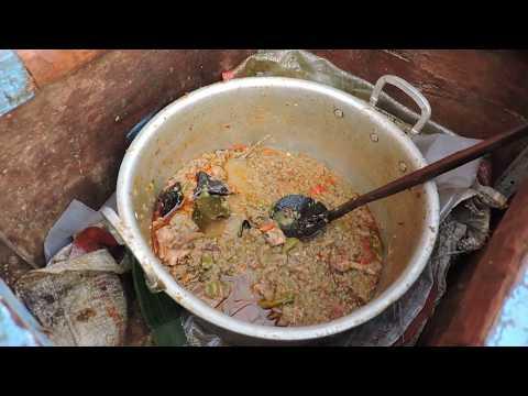 Indonesia Tegal Street Food : Sedepe Glotak Ayam,Pasar Pagi Tegal@Rp.2000,-//543//Seri I