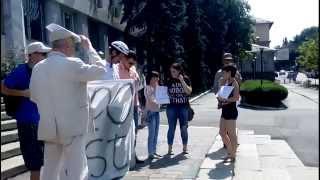 """Protest la Procuratură: """"Apărați victimele violenței în familie"""""""