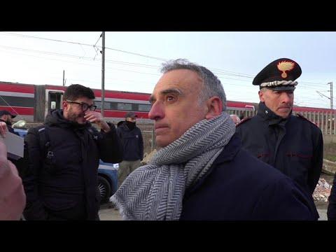 """Treno deragliato a Lodi, il prefetto: """"Una corsa di centinaia di metri senza controllo"""""""