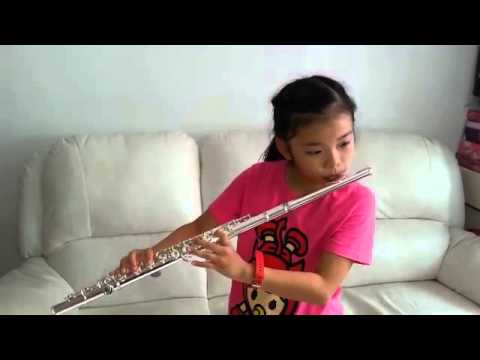 ABRSM Flute beginner plays with Yamaha Flute 211