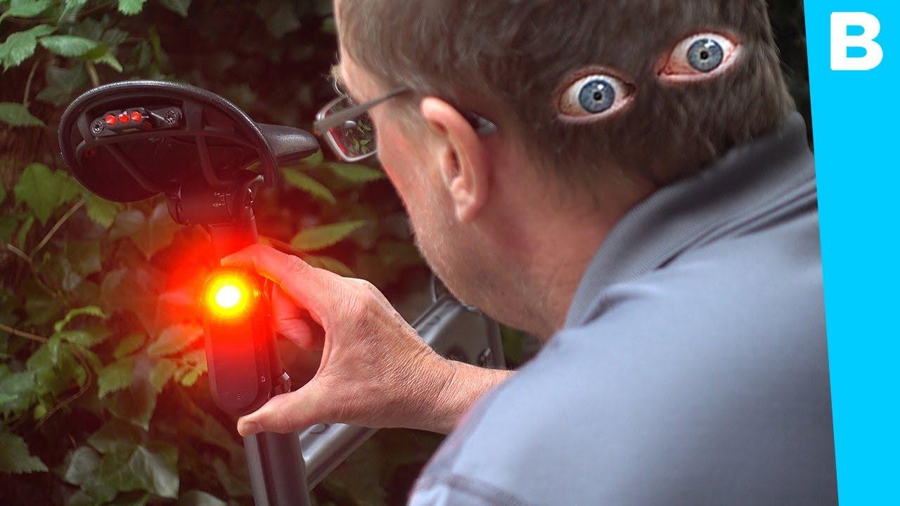 Dit achterlicht met radar geeft je ogen in je achterhoofd
