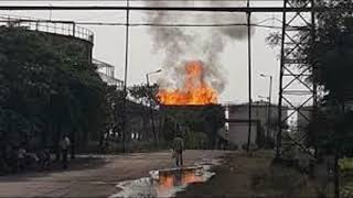 Meerut Braking News  एक के बाद एक हुए तीन धमाके और धधकने लगी किनौनी शुगर मिल , 1 की मौत ||