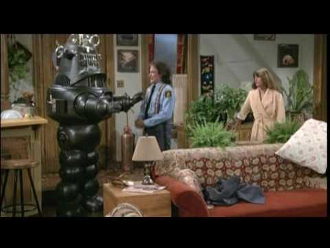 Mork & Mindy - Mork Brings A Robot Home