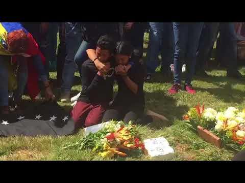 Arropados por el Himno Nacional de Venezuela: Hijos de José Pimentel dan último adiós