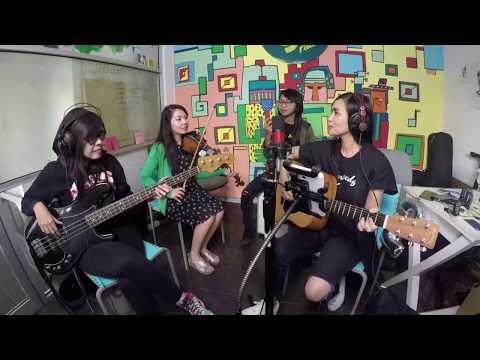 Sisterhoodgigs - Ode To My Family (Live on Afternoon Crowd googoo.fm)