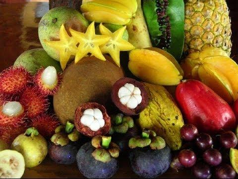 What fruits in season during the Raw Till 4 Thai Festival Chiang Mai Thailand