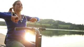 Segway Rollstuhl Freee F2 am See mit Anna Schaffelhuber | Segway wheelchair Freee F2 on the lakeside