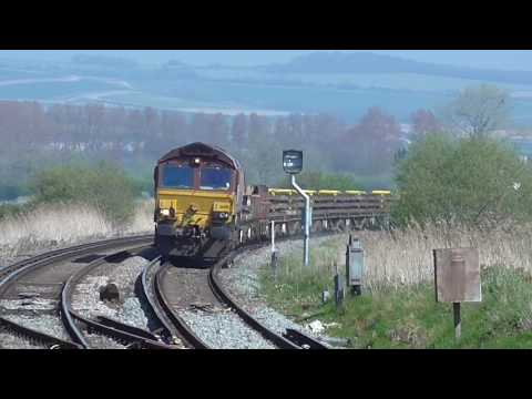 Trains at Arundel Railway Station - Sunday 9th April 2017