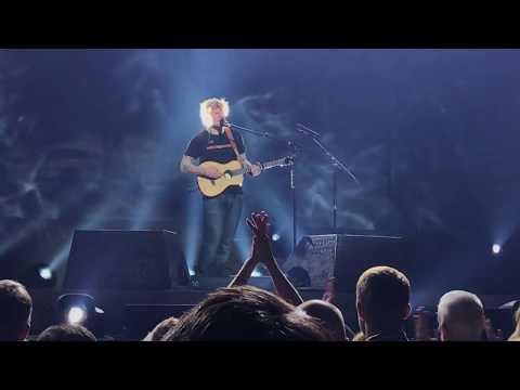 Ed Sheeran - Bloodstream live (Divide tour Detroit)