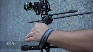 "Compound bow in slow motion ""Diamond Edge SB-1"""