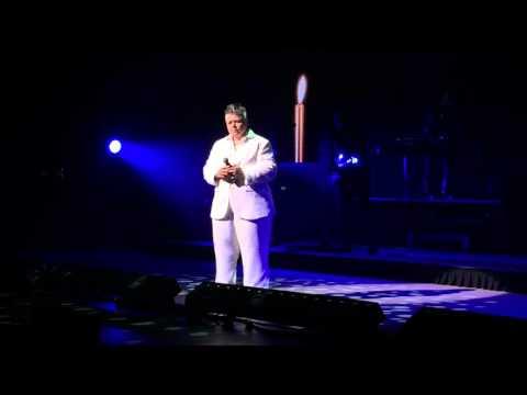 Leonard Cohen's Hallelujah performed by Amy Bishop ...BEST EVER!