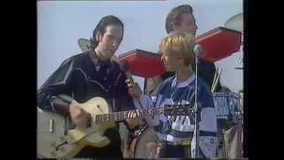 Big Audio Dynamite - Hip Neck & Thigh + short Mick Jones interview (Get Fresh ITV 1988)