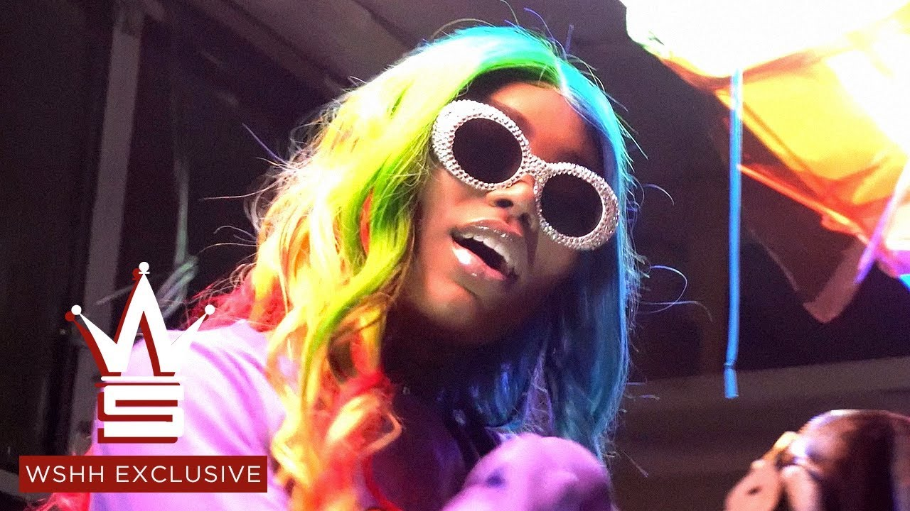 "Asian Doll ""Gummo"" (6IX9INE Remix) (WSHH Exclusive - Official Music Video)"