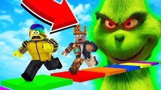 We Have to ESCAPE THE EVIL GRINCH or else we LOSE OUR ITEMS (Roblox)