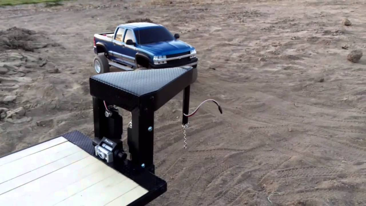 Rc Trailfinder 2 Chevy Truck And Gooseneck Trailer Youtube