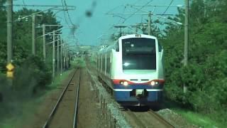 特急しらゆきE653系とすれ違う信越本線の上下浜駅~柿崎駅間を走行するE129系の前面展望