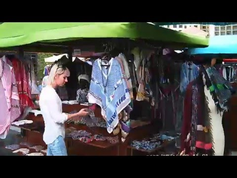 Flee Market with a Tour Guide