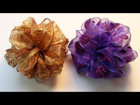 DIY: How To Make an Easy Pom Pom Ribbon Bow