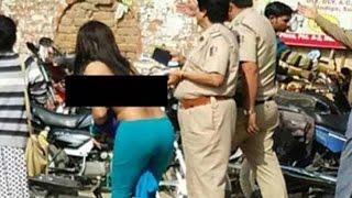 ইন্ডিয়ায় নোট পরিবর্তনের প্রতিবাদে গায়ের কাপড় খুলে প্রতিবাদ করলো এক তরুনি | Indian Rupee Changed
