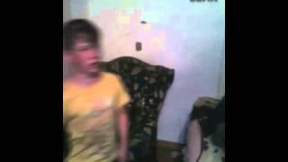 Чеченец поёт песню про маму (от души поёт)