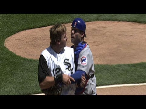 Cubs, White Sox brawl after home-plate collision
