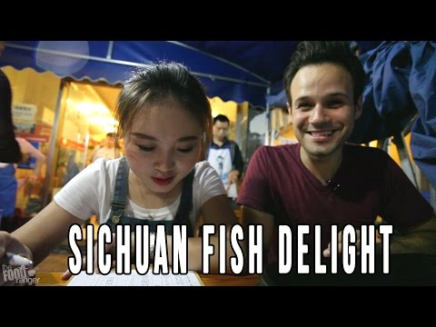 "Chinese Food | Eating Sichuan ""Paper"" Fish With A Local Girl In Chengdu"
