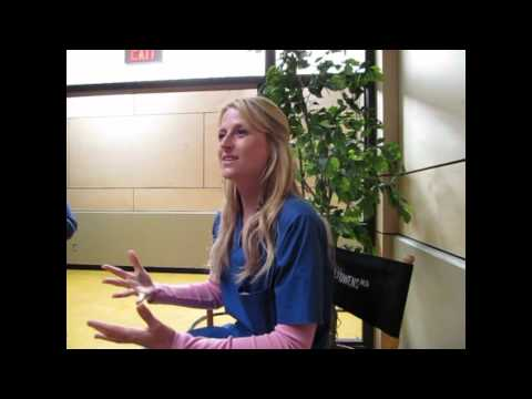 Mamie Gummer Interview: 'Emily Owens, M.D.' - YouTube