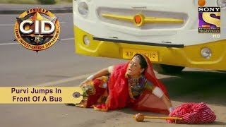 Your Favorite Character  Purvi Jumps In Front Of A Bus  CID