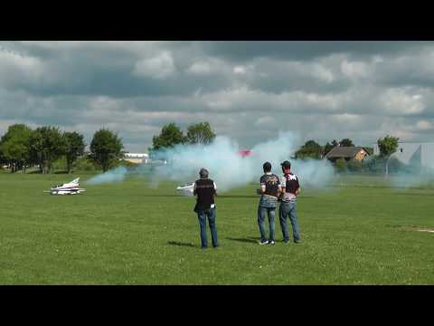 Multiplex Airshow 2017 - Bede BD-5 in Action