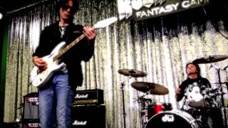 Steve Vai, Billy Sheehan and Joe Vital play an extended Little Wing @ Rock and Roll Fantasy Camp