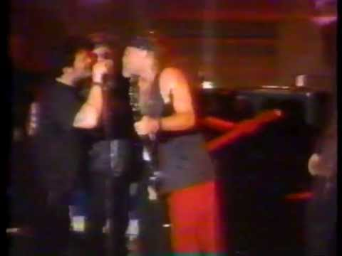 Pearl Jam  & Alice In Chains - Rockin' In The Free World - Singles Movie  Premiere  September 1992