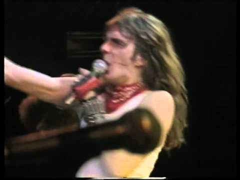 Saxon - And the Bands Played On (live '83)