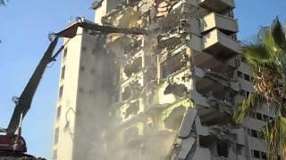 binanın yıkılış anı