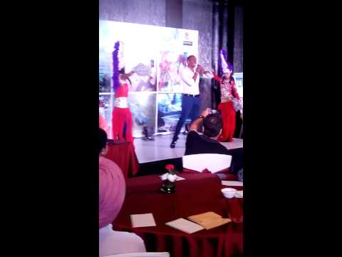 Dwayne Bravo singing
