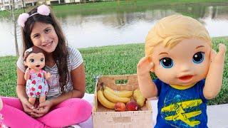 Maria Clara faz um piquenique com sua Baby Alive e os Gêmeos Comilões e ganha uma caixa misteriosa!