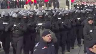 Momentul in care jandarmeria a fost huiduită la parada militară 1 decembrie